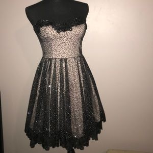 Prom or Formal Strapless Black lace Dress Jr Sz 9